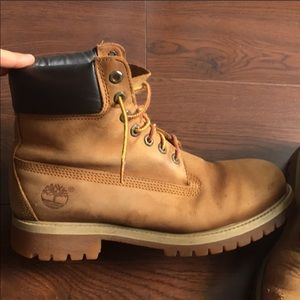 Size 9 men's timberland boots